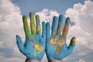 Zıtlıklar Ülkesinde Bir Dünya